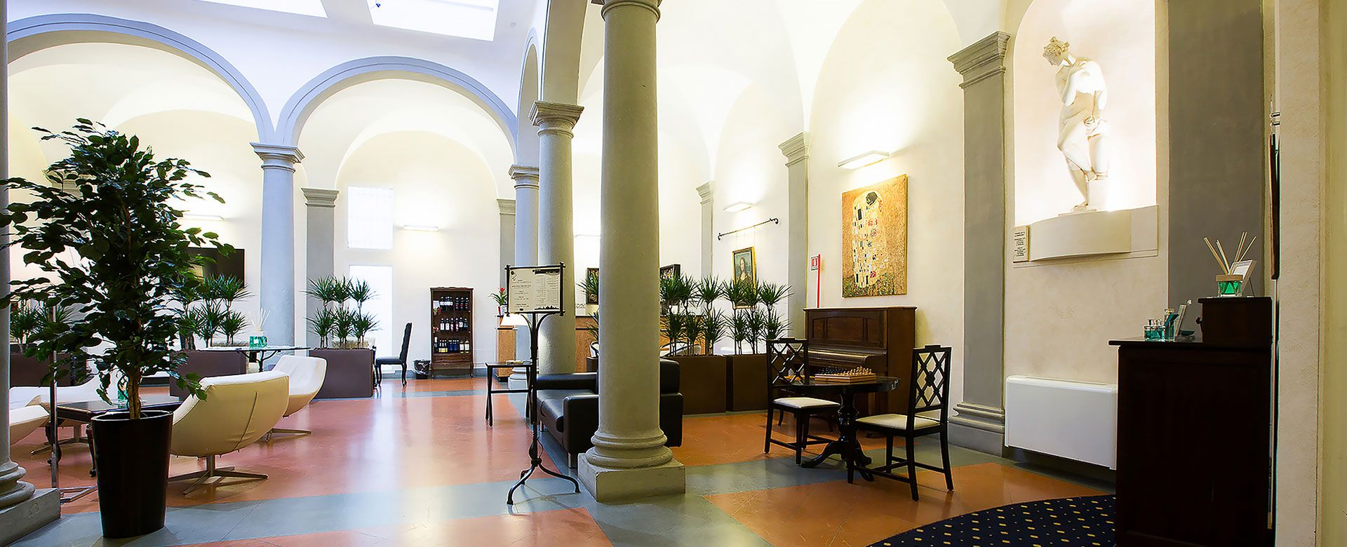 15 61 Hotel Centrale Firenze Hall